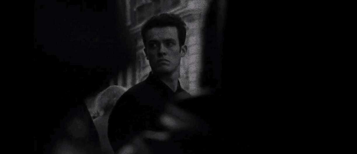 Following por Christopher Nolan - Película Crítica