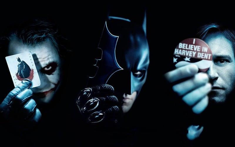 El Caballero Oscuro Critica a Batman y el Joker