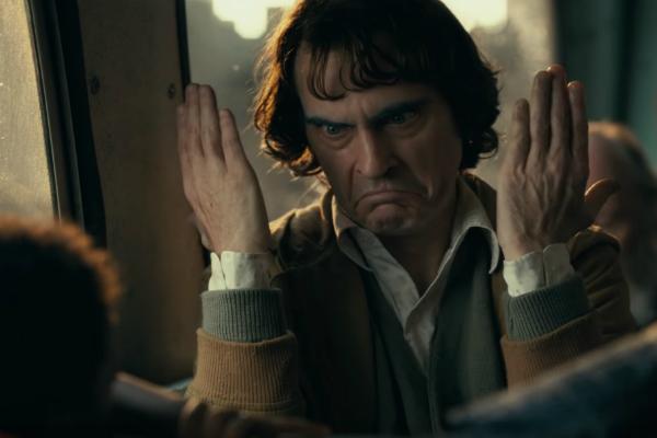 Joaquin Phoenix interpretando al guasón
