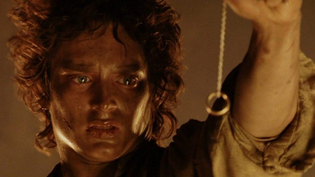 Frodo y el anillo final en el monte del destino