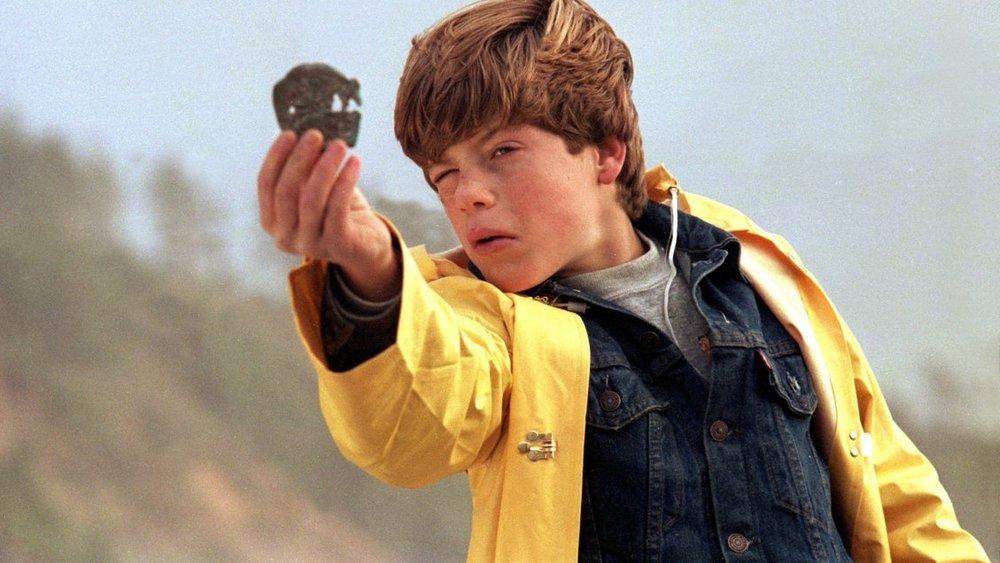 Mikey es Sean Astin actor en los goonies el niño guapo