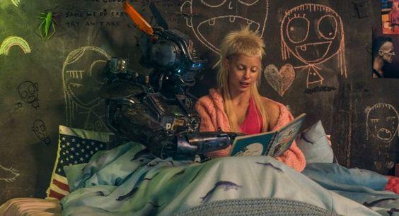 Chappie el robot que aprende a hablar y escribir