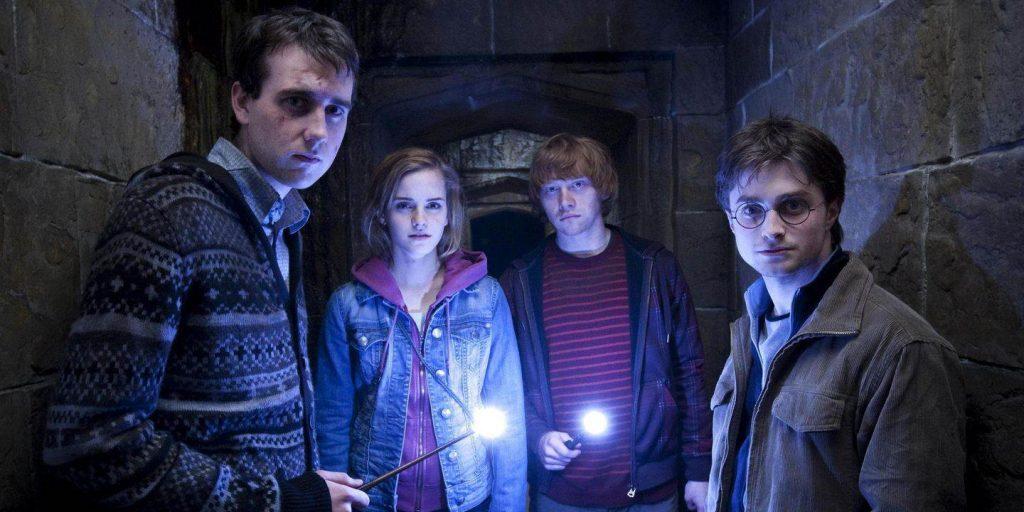Neville Longbotton, Hermione Granger, Ron Weasley y Harry Potter hechizos