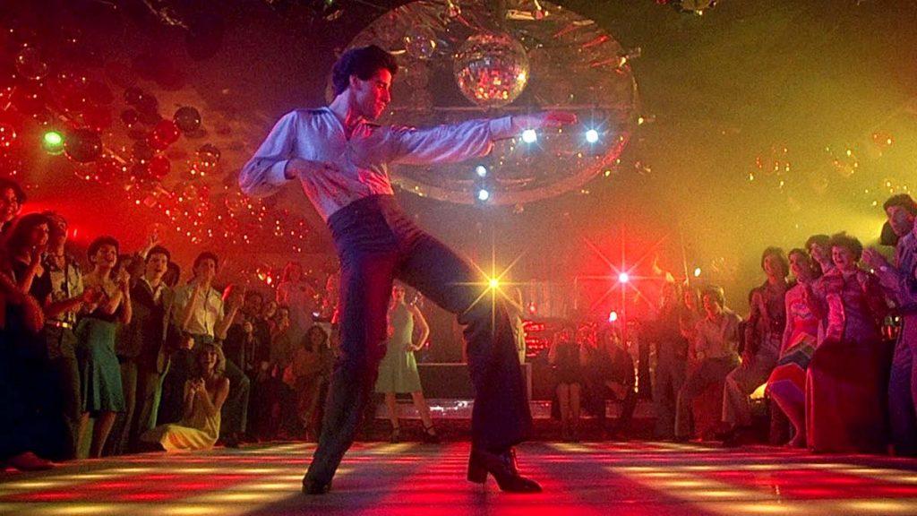 Fiebre de sábado por la noche el baile de John Travolta